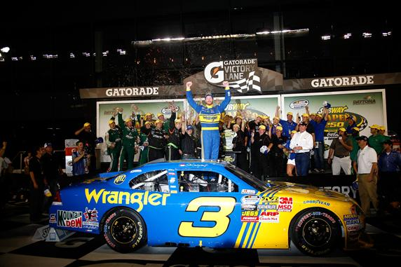 2010 Daytona July NNS race Dale Earnhardt Jr victory lane